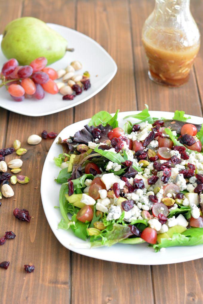 Cosi's Signature Salad Copycat: grapes, pistachios, cranberries, pear, gorgonzola...sherry shallot vinaigrette