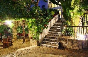 El Hotel Xbalamque se encuentra en el centro de Cancun, a 500 metros de la estación de autobuses ADO de Cancún, a 5 minutos en coche de la zona hotelera... #Cancun #Mexico #Hoteles