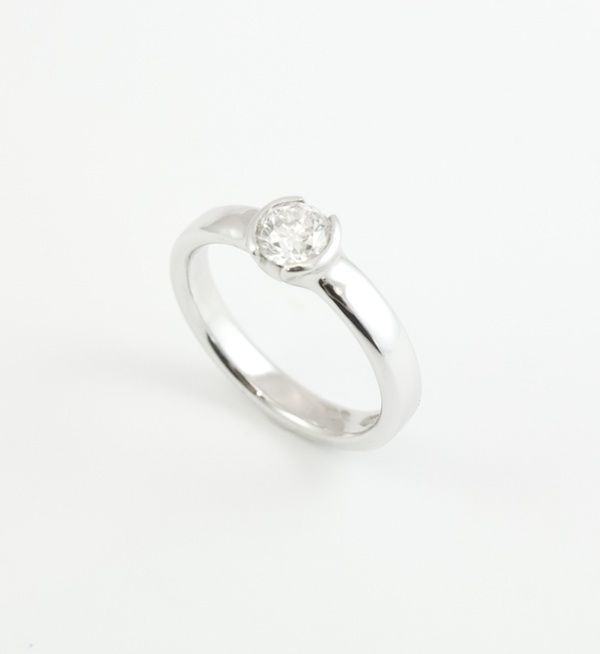 Platinum engagement ring with round brilliant 0.49ct diamond. Engagement rings Cork city.