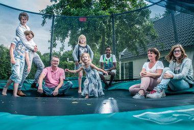 Leuk om te lezen: Annemarie en Maurits, de pleegouders van onze projectambassadeur Jadey, aan het woord over hun pleegouderschap #pleegzorg