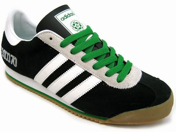 Adidas Kick Mexico 70 - I'm not a fan of black sneakers, and