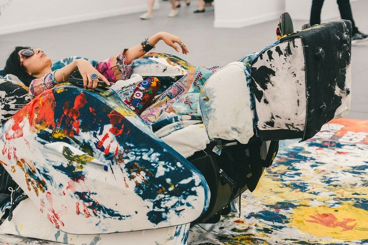 Patterns on patterns // See more at Racked: (http://ny.racked.com/2015/5/19/8625495/frieze-art-fair-street-style?utm_campaign=ny.racked&utm_content=gallery-post&utm_medium=social&utm_source=pinterest)