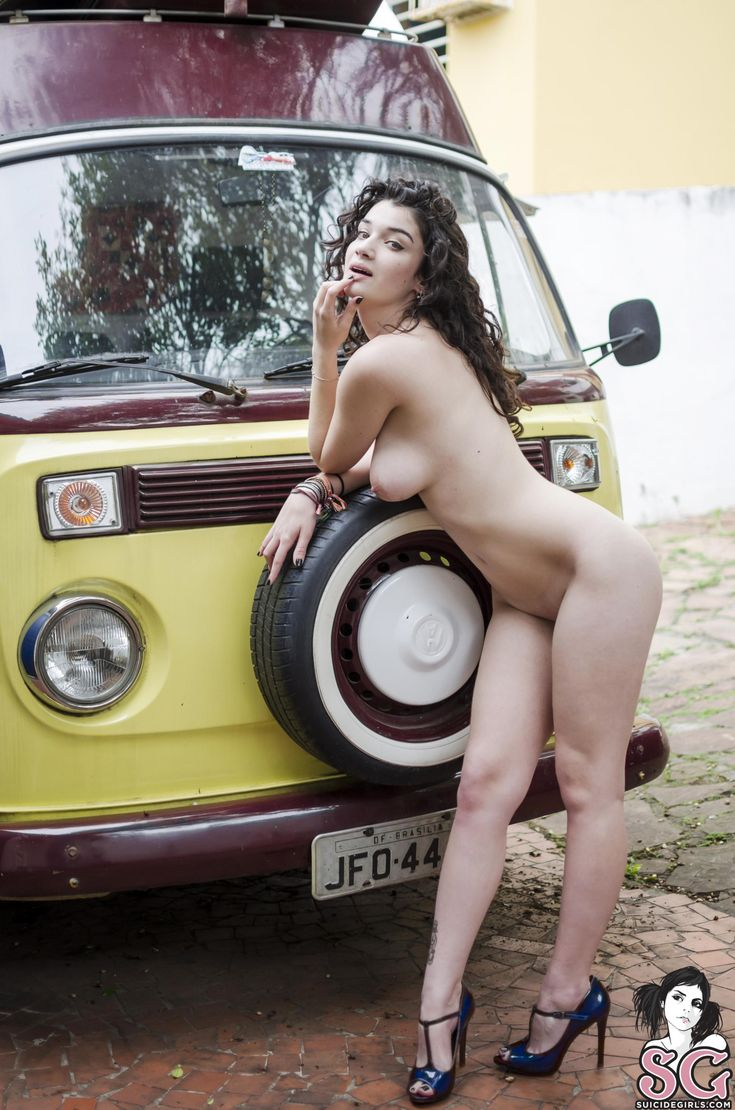 girl naked with volkswagen