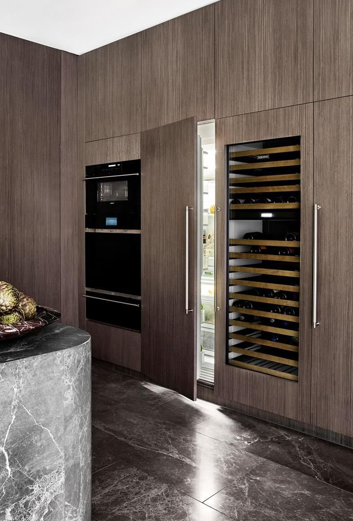 Mim Design And Vcon Joined Forces To Design This Elegant Kitchen That Boasts A Timeless Appeal Decor In 2020 Mim Design Kitchen Design Trends Modern Kitchen Design