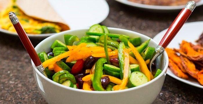 «Греческий» салат – рецепт вкусного, легкого, свежего салата, который прекрасно украсит любой стол.