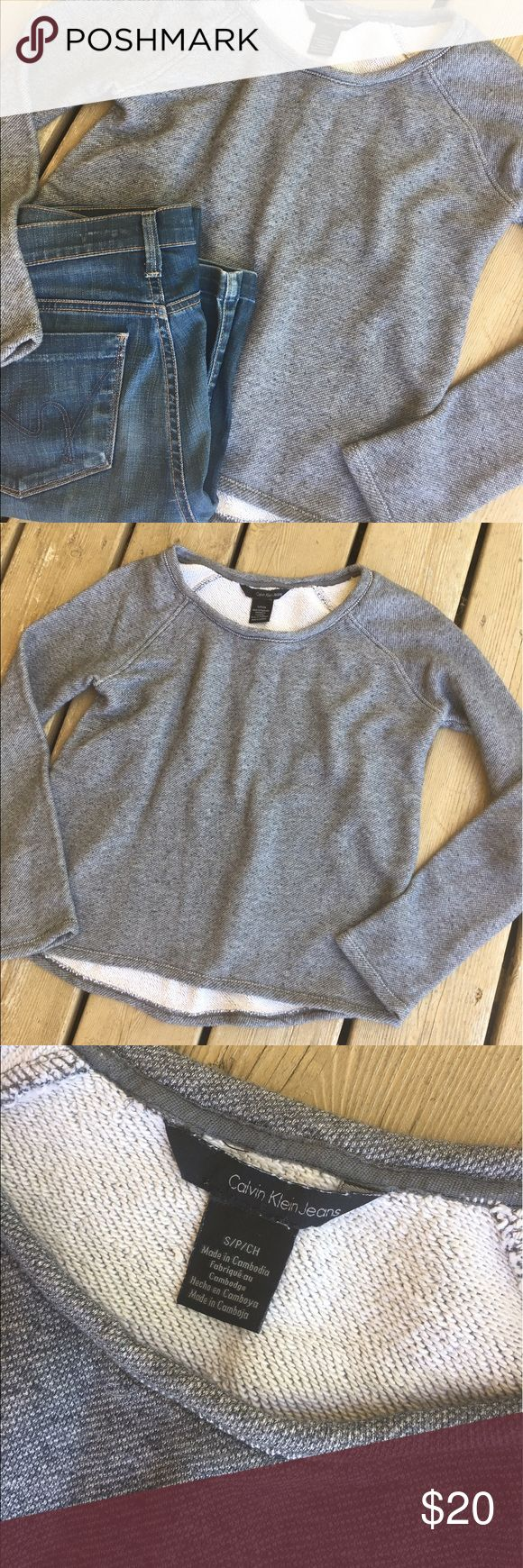 🙌sale🙌 Calvin Klein sweater Good condition Calvin Klein Jeans Tops Sweatshirts & Hoodies
