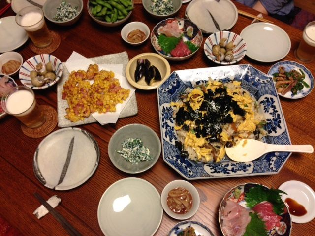 毎日家飲み:7月3日(金)ちらし寿司 (ごぼう、人参、しいたけ、玉子、のり) はた まぐろ の刺身 バイ貝の煮つけ とうもろこしとハムのかき揚げ げそのごまみそ和え ほうれん草の白和え いかの塩辛