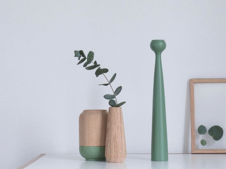 Torso is a series inspired by the male and female forms and comes in candleholder, vase and teelight. They are all made of oak – choose between a stained, oiled, or natural finish.