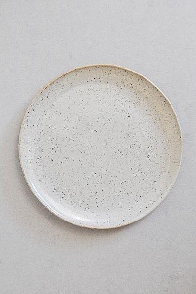 SUE PARASKEVA | Natural Speckled Plate