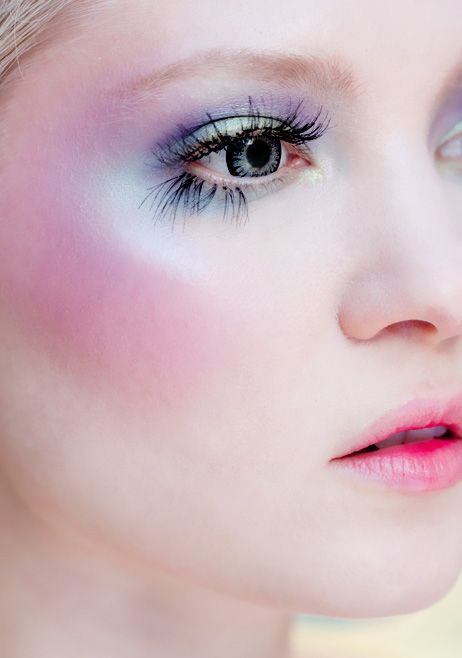 .Everything about this photo is my favorite.. favorite colors and LOVE the long lashes!!