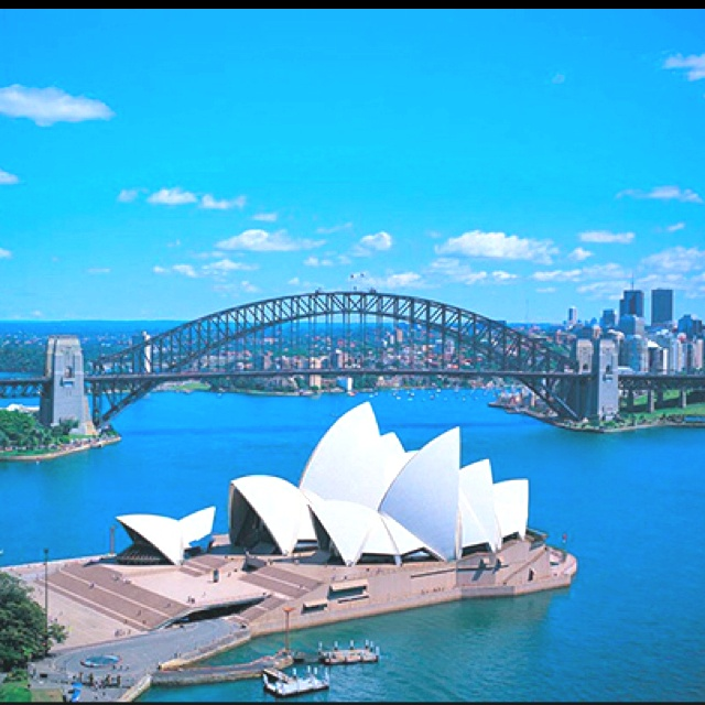 Sydney Australia......by far my favorite vacation spot ... cheap hotels in #Sidney #Australia http://holipal.com/hotels/