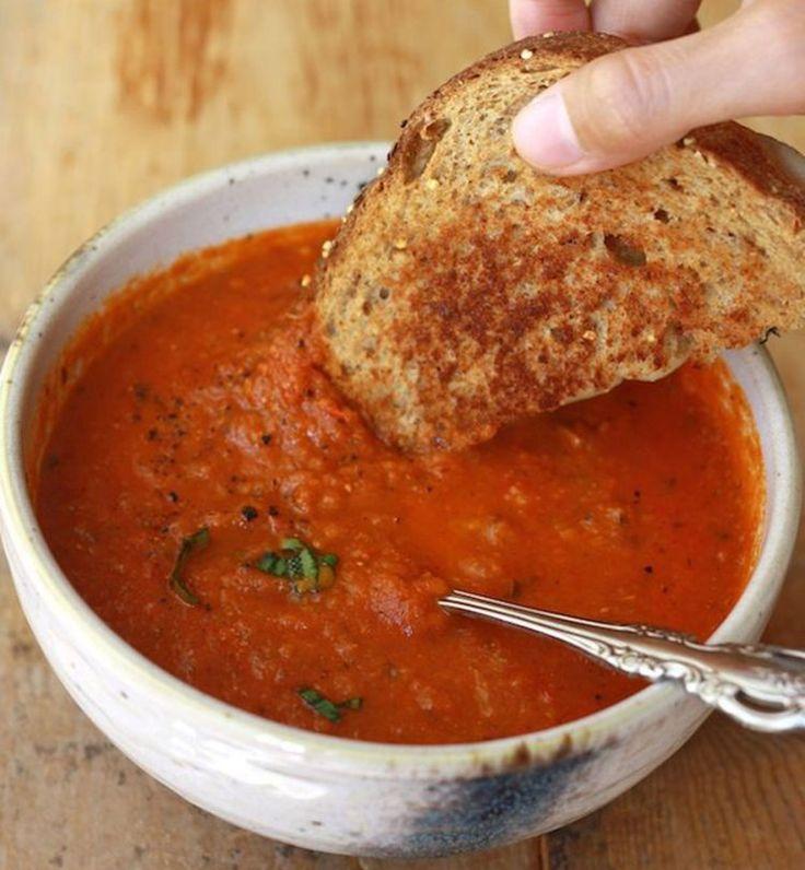 Soupe à la tomate et au basilic - Cosmopolitan.fr