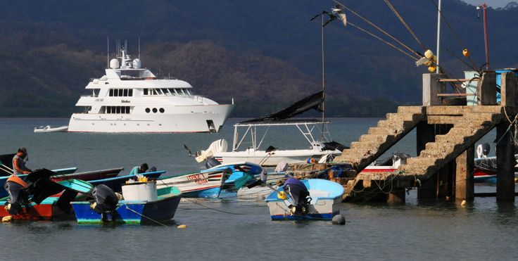 A familiar scene in Playa Tambor as many ships come in to stock-up on our fresh seafood.