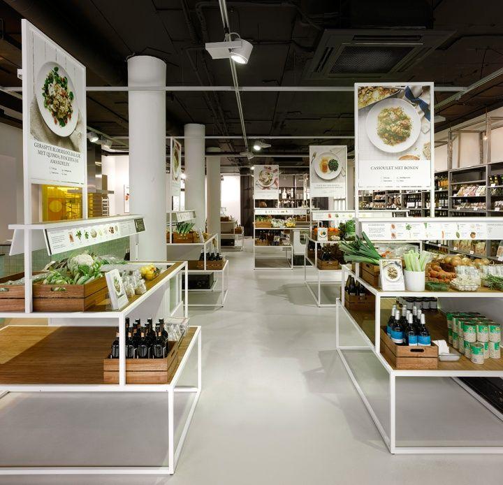 SA: disposición por recetas en esta tienda de alimentación, muy útil para atraer a clientes con poco conocimiento culinario