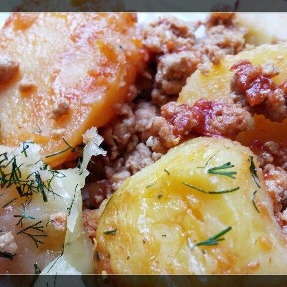 Musaca yummy, ca la mama acasa! Vezi reteta pe emmazeicescu.ro #gatestesizambeste #food #emmazeicescuro
