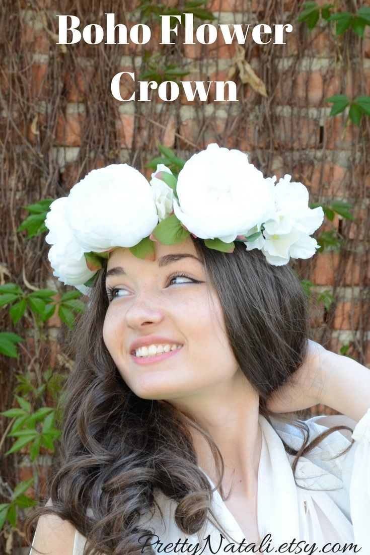 Lovely Bohemian flower crown made with green leaves , big white artificial peonys and attached to a vine wire base. Boho Flower Crown, White Flower Tiara, Wedding Crown, Big Peony Bridal Headband, Music Festival Flower Halo, flower headpiece #flowercrown #whiteflowercrown #flowerheadband #bohochicwedding #bohowedding #bridalflowercrown #bridesmaidcrown