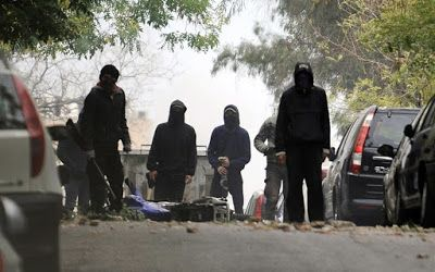 Αναρχικός υπήκοος Πακιστάν κατηγορείται για επιθέσεις κατά των ΜΑΤ στους Αμπελοκήπους