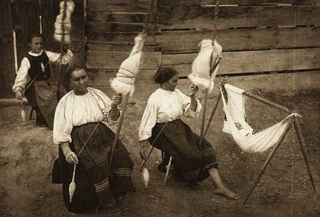 Chendu Mare - women spinning  Mureș County hanging cradles are great as long as baby does not sleep too long.