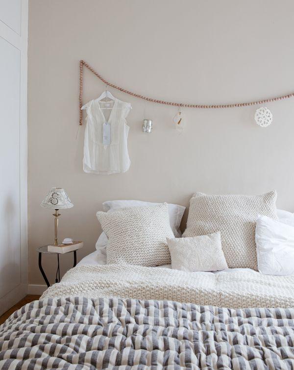 Une ancienne boutique transformée en intérieur cocooning - couleur du mur tête de lit