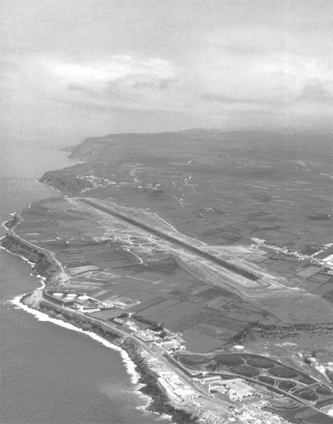 1969, Ramalho, Ponta Delgada, Ilha de São Miguel Vistas aéreas e detalhes da construção da aerogare do Aeroporto da Nordela, actual João Paulo II em Ponta Delgada