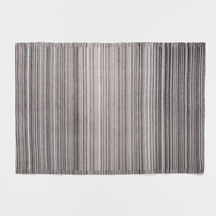 die besten 25 gestreifter flur ideen auf pinterest grufti deko schwarz rosa und rosa schrank. Black Bedroom Furniture Sets. Home Design Ideas