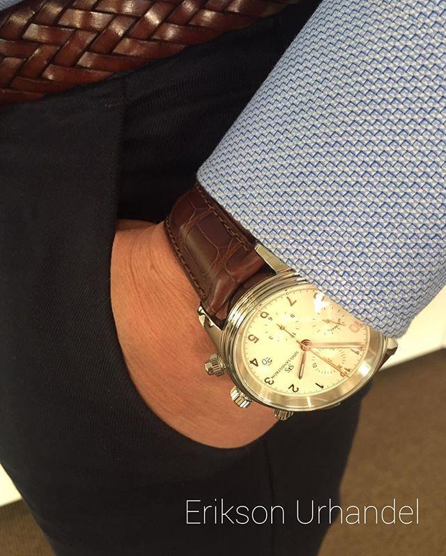REPOST!!!  Royal Steel Chronograph #eriksonurhandel #klocksnack #watch #watchoftheday #wristporn #wristshot #hodinkee #timetotalk.se #watchgeek #lyx #watchnerd #instawatch  #minibasel #sundbyberg #minibasel2017 #valborg #sjöösandström #sjoosandstrom #stockholm #sverige #royalsteel  repost   credit: ID @eriksonurhandel (Instagram)