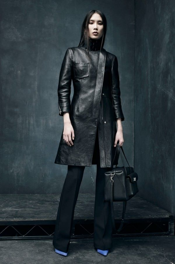 Модные кожаные женские пальто фото