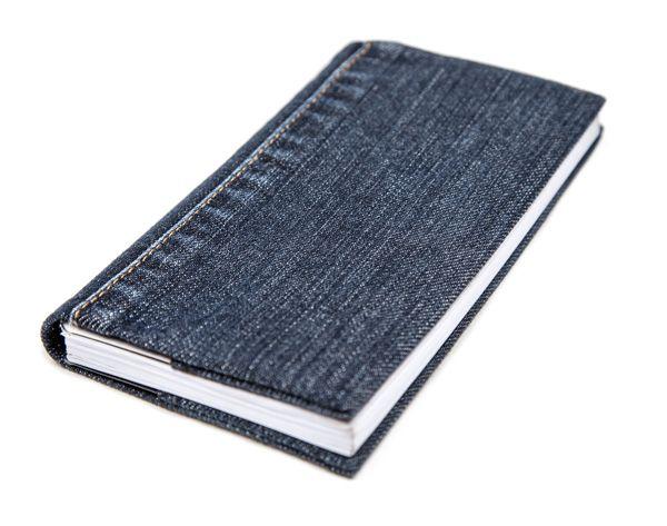 Ohje: Kalenterin kannet farkkujen lahkeesta
