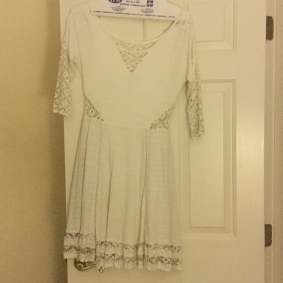 Free People White Dress Short Flowy White Dress perfect for summer time Free People Dresses Long Sleeve
