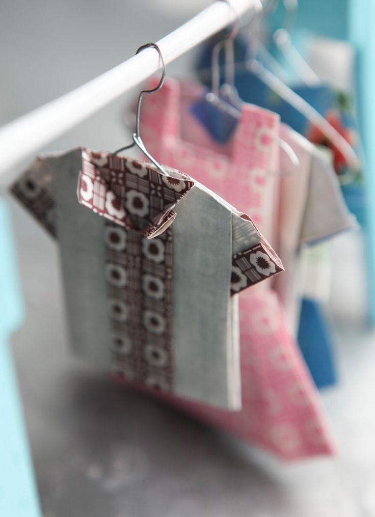 126 best images about paper dresses on pinterest. Black Bedroom Furniture Sets. Home Design Ideas