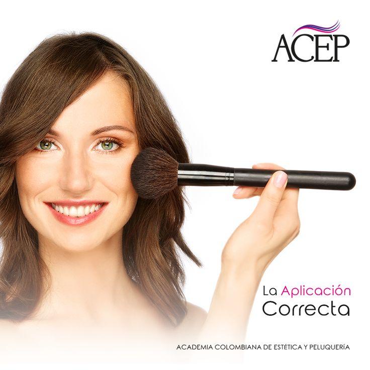 Para que el #Maquillaje luzca perfecto y lo más natural posible, aplica el blush desde el comienzo de las manzanas de las mejillas: sonríe mientras te maquillas, así identificas bien la zona. Luego difumina con la brocha de maquillaje en sentido hacia las orejas. Aprende mucho más,  NUEVA IMAGEN, NUEVAS OPORTUNIDADES.  PARA UN FUTURO LABORAL CON ÉXITO GARANTIZADO #Peluquería #Mujeres #hermosas #Belleza