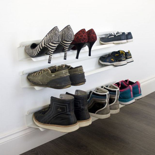 This horizontal shoe rack gives the appearance that shoes are floating off of the floor. Suitable for mens, womens & childrens shoes Attach to wall using the 3 supplied screws This is the 1200mm version - holds up to 7 pairs of shoes. Painted steel. 1200 x 140 x 90mm. Please allow 3-7 days for delivery.