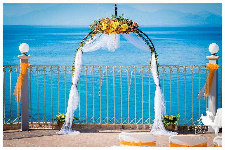 Beautiful wedding arch for a summer wedding!
