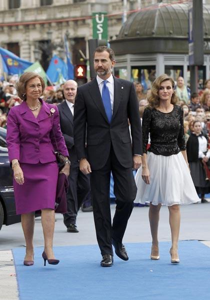 Don Felipe y doña Letizia hacen entrega de los premios Príncipe de Asturias 2012