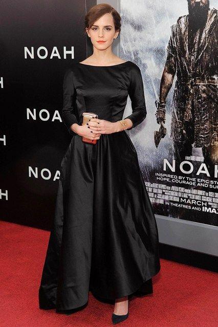 Best Dressed - Emma Watson in an Oscar de la Renta gown