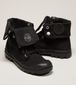 Black baggy flat boots.Cat, Style, Sooo Nice, Flats Boots, Fashion Accessories, Fancy Feet, Products, Womans Boots, Women Boots