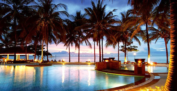 Katathani Phuket Beach Resort is 5 star beachfront hotel on secluded Kata Noi Bay, Phuket, Thailand. Embraced by lush green hills and sparkling blue ocean, the hotel recalls a tropical dream.
