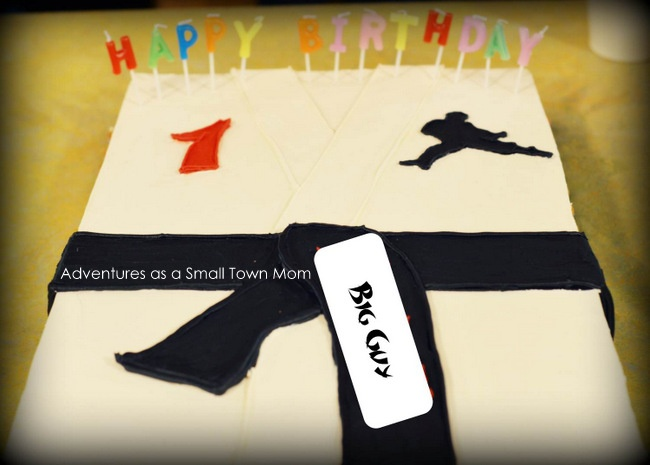 Big Guy's Chuck Norris Themed 1st Birthday Party! | Adventures as a Small Town Mom    Karate Cake
