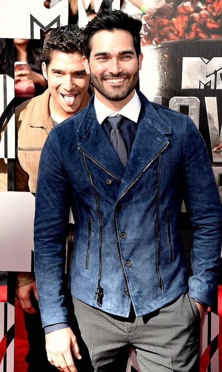 Tyler Posey and Tyler Hoechlin on the red carpet at the 2014 MTV Movie Awards in L.A.