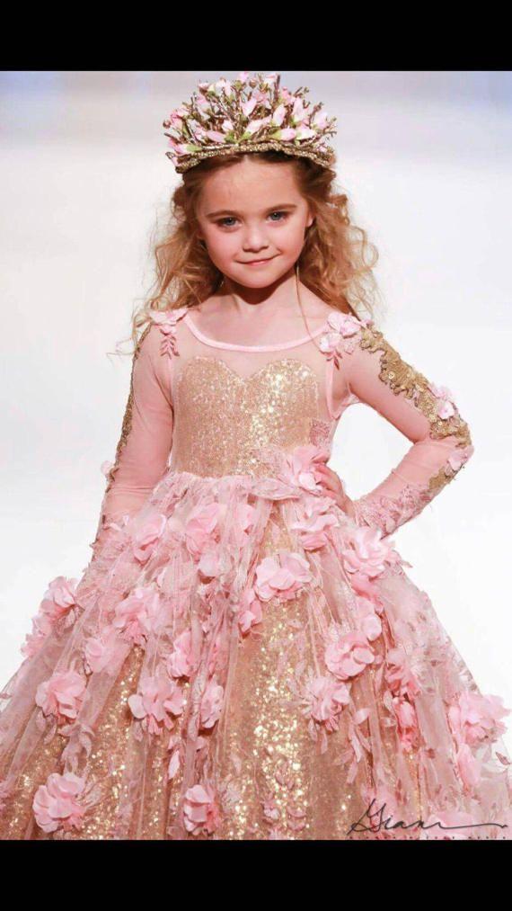 Vestido de niña de las flores de color rosa de manga larga