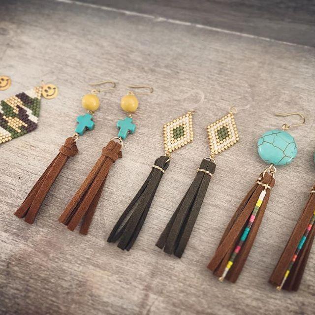 turquoise tassel ☆ ☆ ☆ #ハンドメイド#ハンドメイドピアス#ハンドメイドジュエリー#ターコイズ#ビーズ#ビーズピアス#ビーズステッチ#タッセルピアス#カモフラ#ニコちゃん#秋冬 #秋ピアス#10kg#西海岸#ネイティヴ#コーデ#ママコーデ#pic#cute#handmade#Hawaiian#American#turquoise#beads