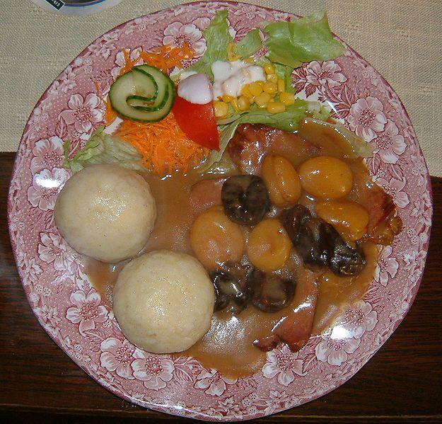 Ham Roast with Fruit Sauce: Schlesisches Himmelreich - Ham with Fruit Sauce