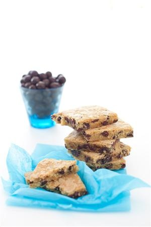 Vanilla Chocolate Chips Bars