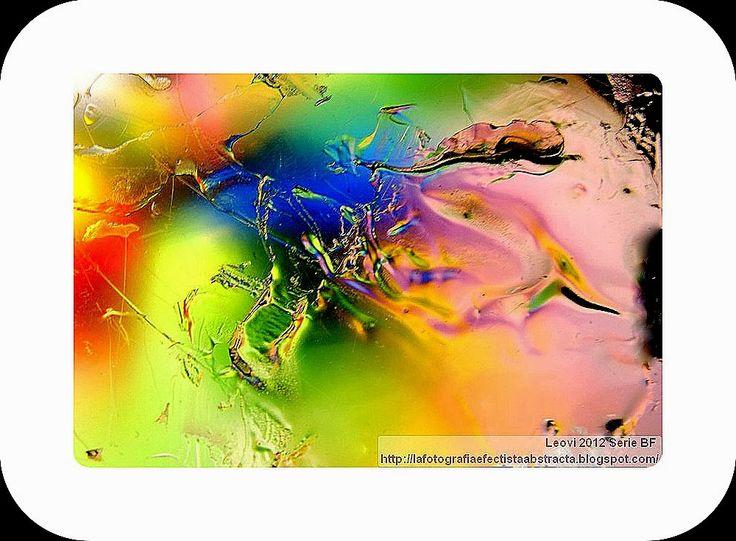 La Fotografía Efectista Abstracta. Fotos Abstractas. Abstract  Photos.: Foto Abstracta 2979  Huida con las alas mojadas - ...