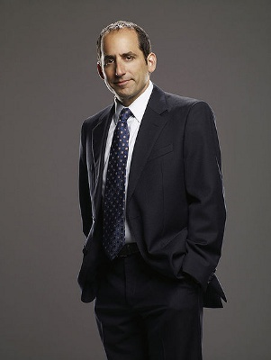 Peter Jacobson (Dr. Chris Taub)