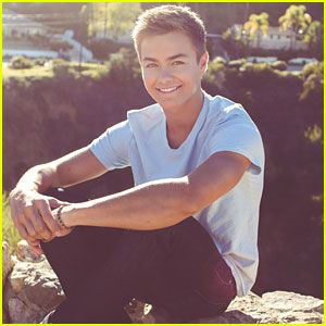 Peyton Meyer Dishes on Lucas & Riley's Relationship on 'Girl Meets World'