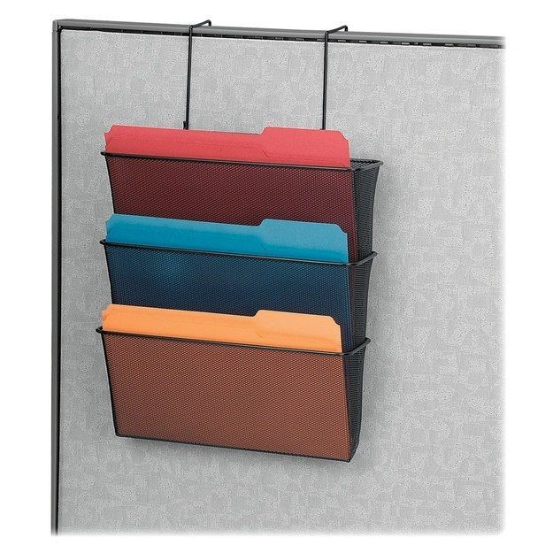 Mantenha sua mesa limpa aproveitando o espaço vertical das suas paredes. | 54 maneiras de deixar seu cantinho do escritório mais agradável