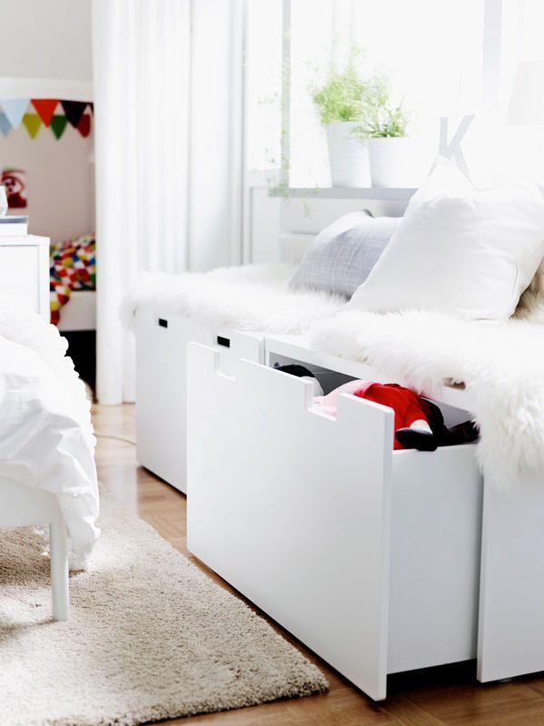 les 25 meilleures id es de la cat gorie lits doubles sur. Black Bedroom Furniture Sets. Home Design Ideas