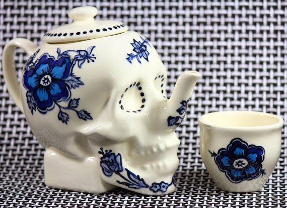 skull teapots via makers social