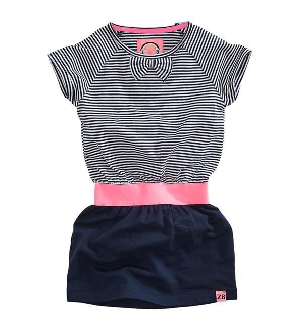 Z8 jurk Imke met gestreepte marine look en navy sweat rokje. Met elastische tailleband in hot pink en girly strikje bij de hals